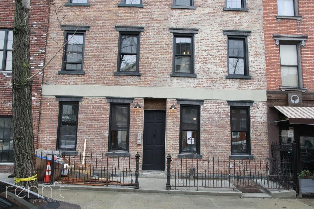 194  Montrose Avenue, Apt 3L Image 10