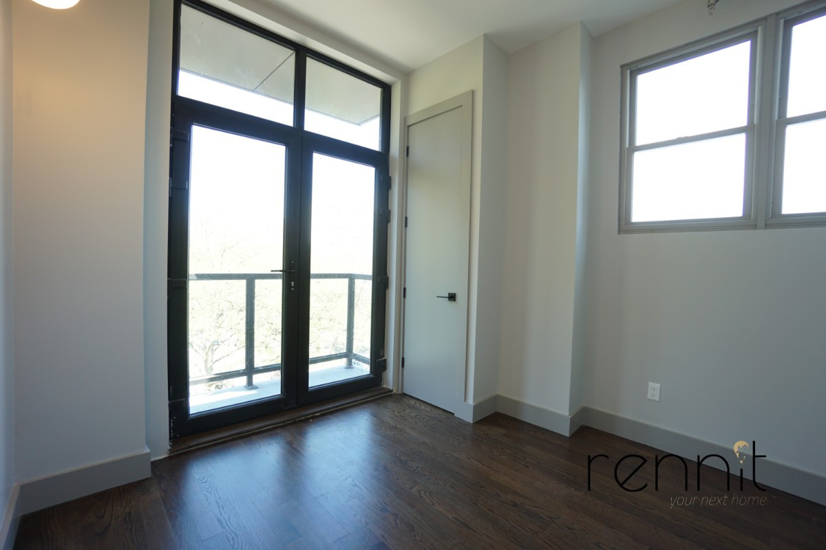 263 Franklin Avenue, Apt 5C Image 3