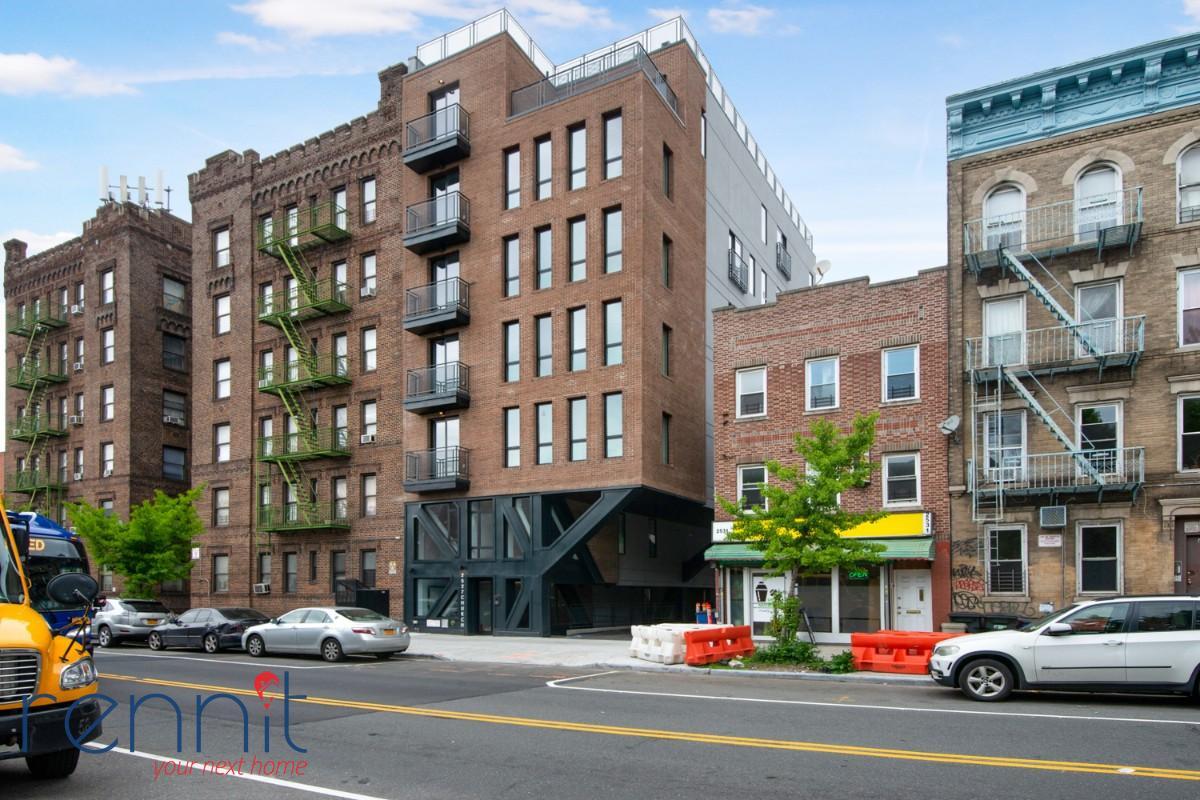 2527 Church Ave, Apt 3B Image 8