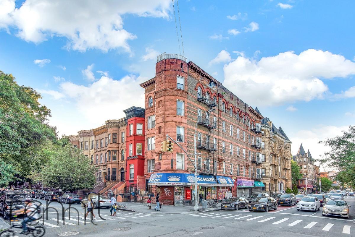 93 Halsey Street, Apt D2 Image 7