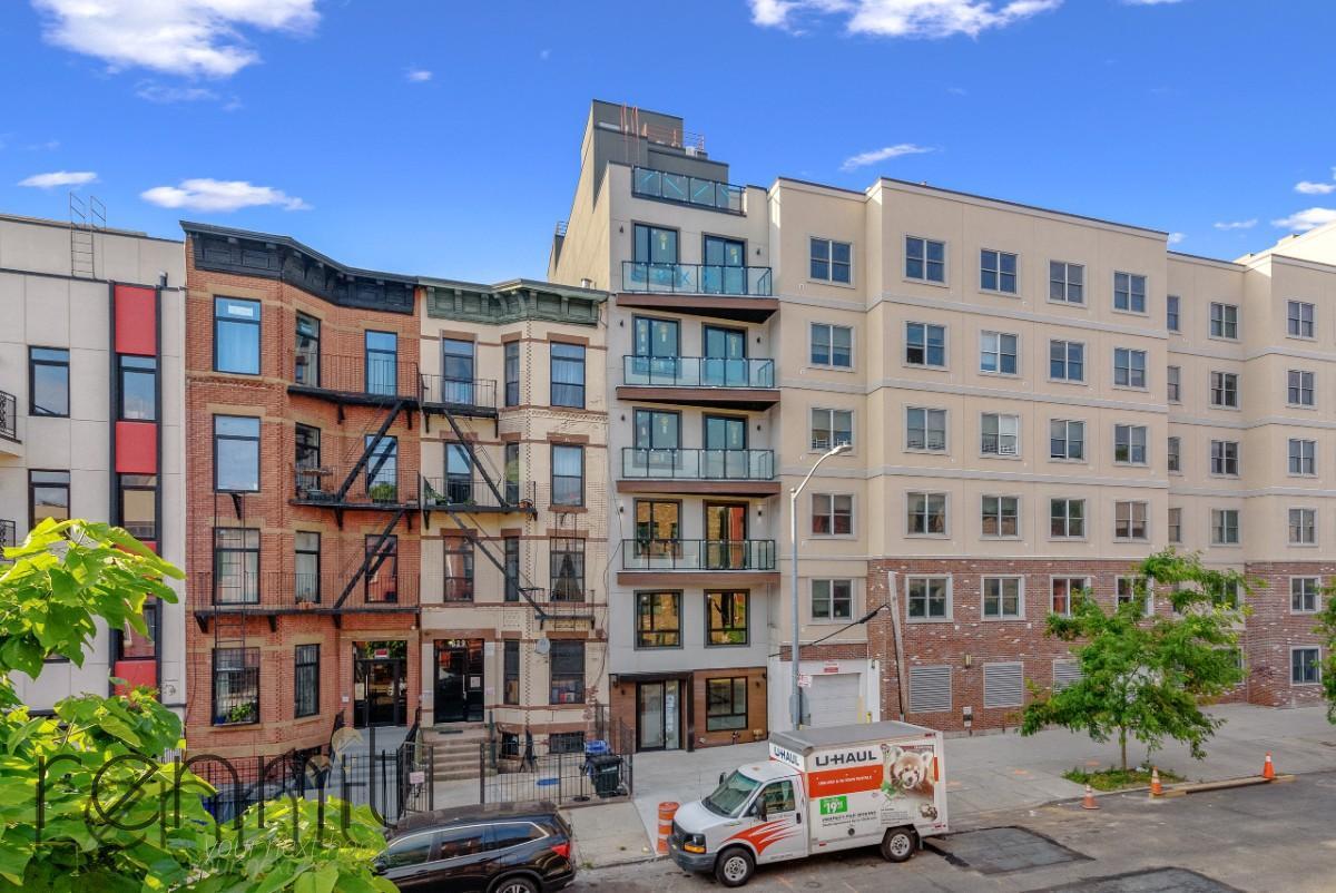 831 Monroe Street, Apt 2F Image 1