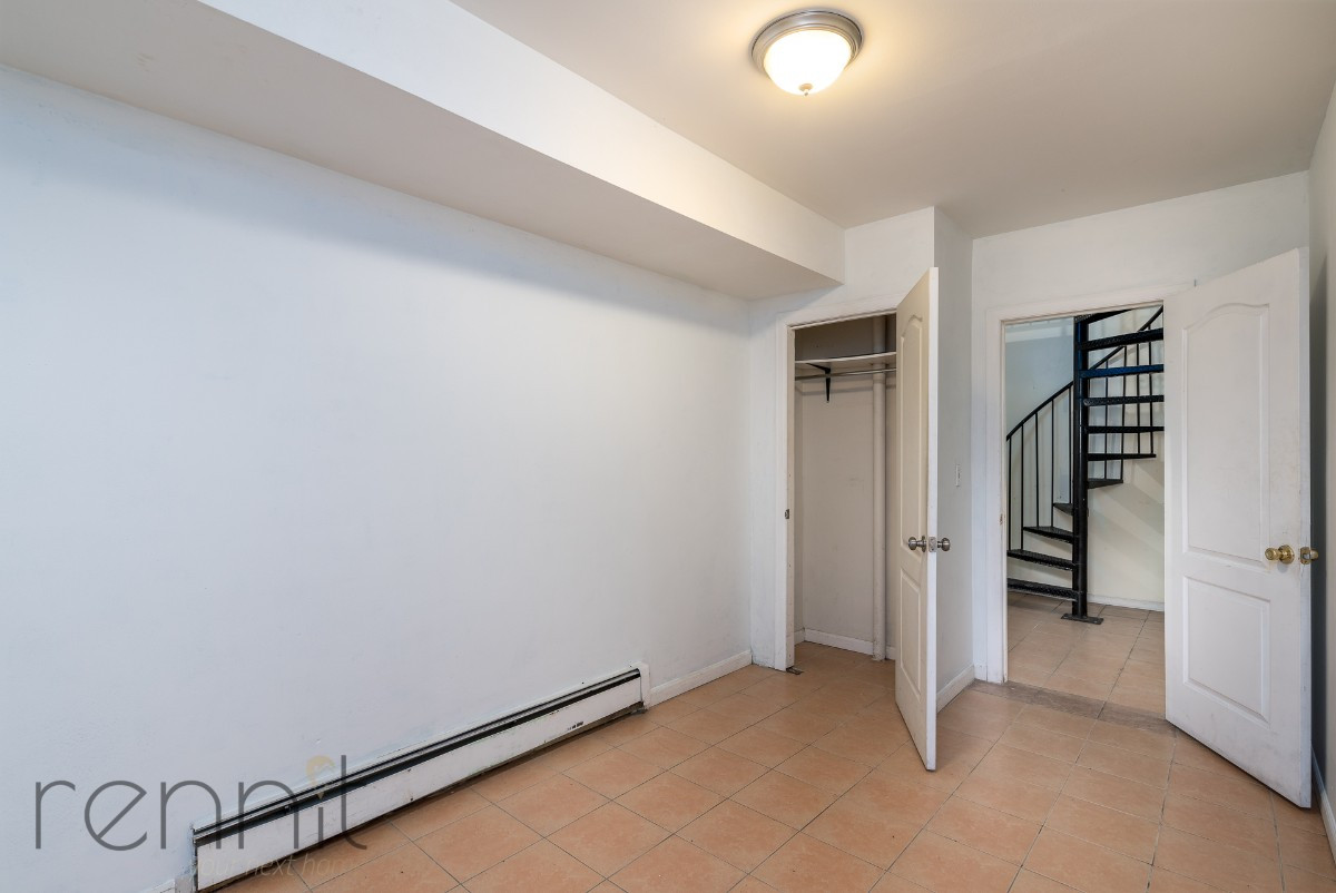 1107 IRVING AVE, Apt 1A Image 12