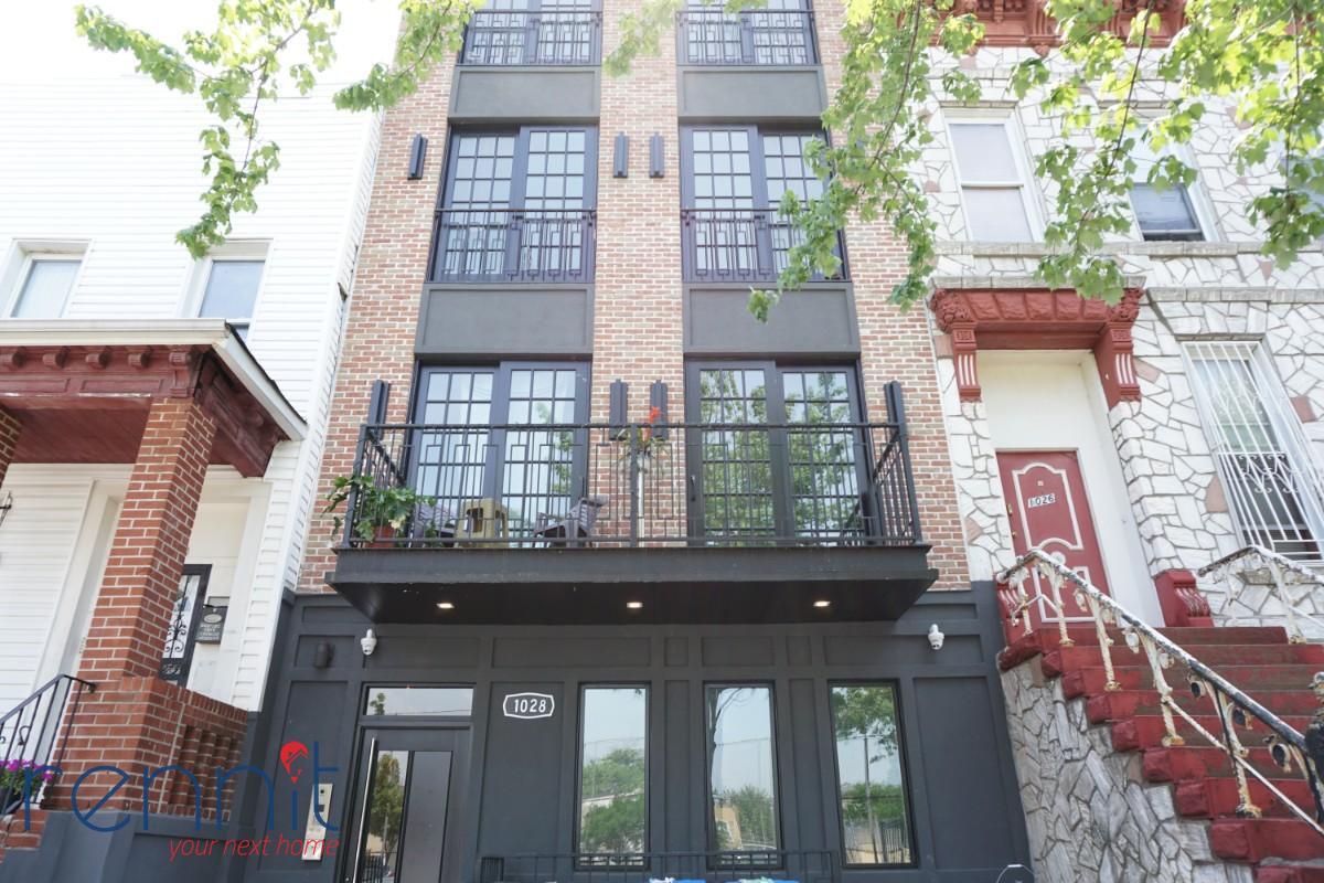 1028 Madison Street, Apt 5 Image 25