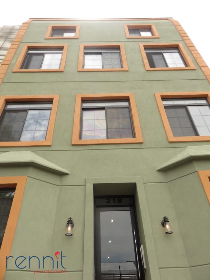 218 Boerum Street, Apt 1L Image 23