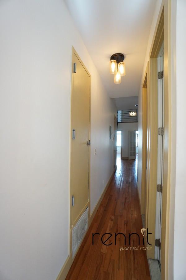 218 Boerum Street, Apt 3L Image 8