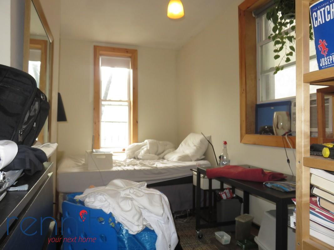 645 Willoughby Ave, Apt 2 Image 23