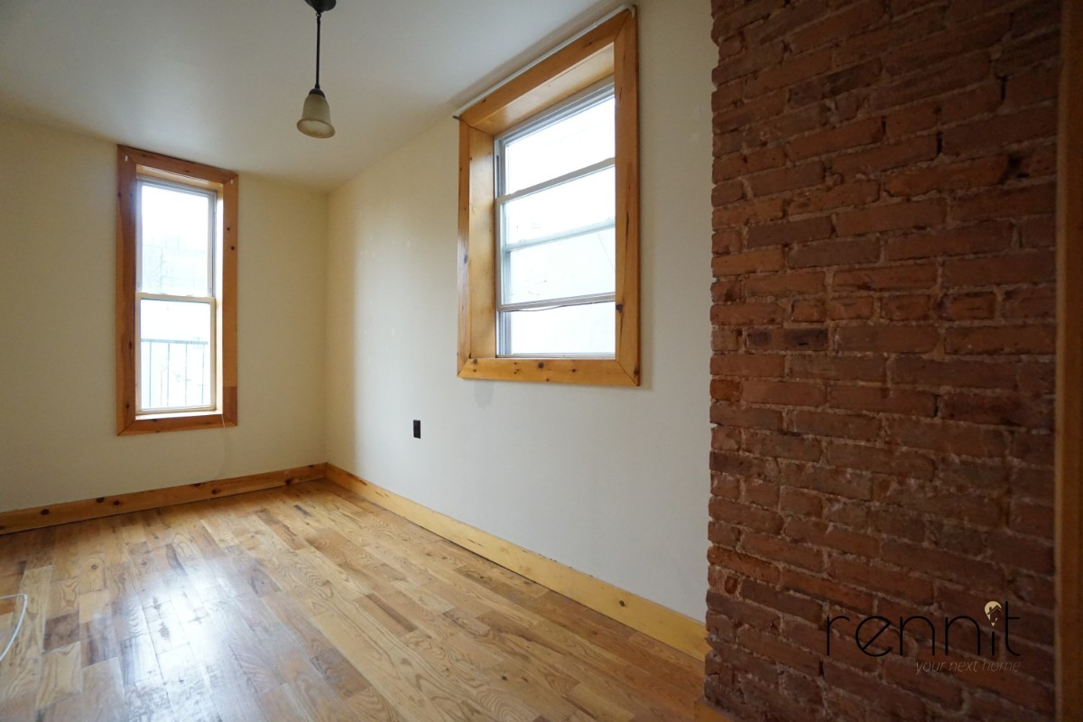 645 Willoughby Ave, Apt 2 Image 7