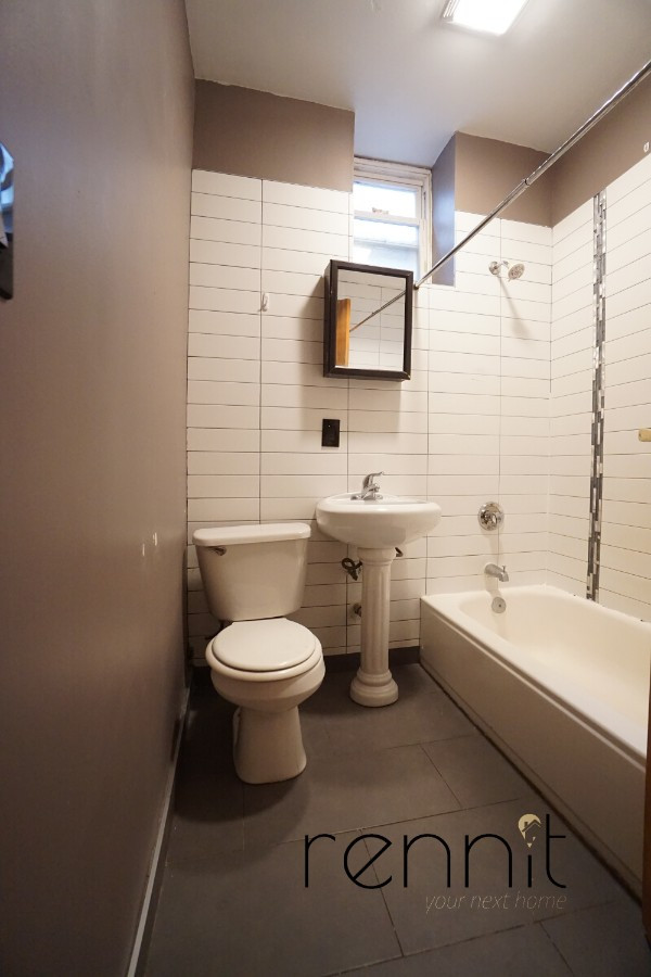 645 Willoughby Ave, Apt 2 Image 13