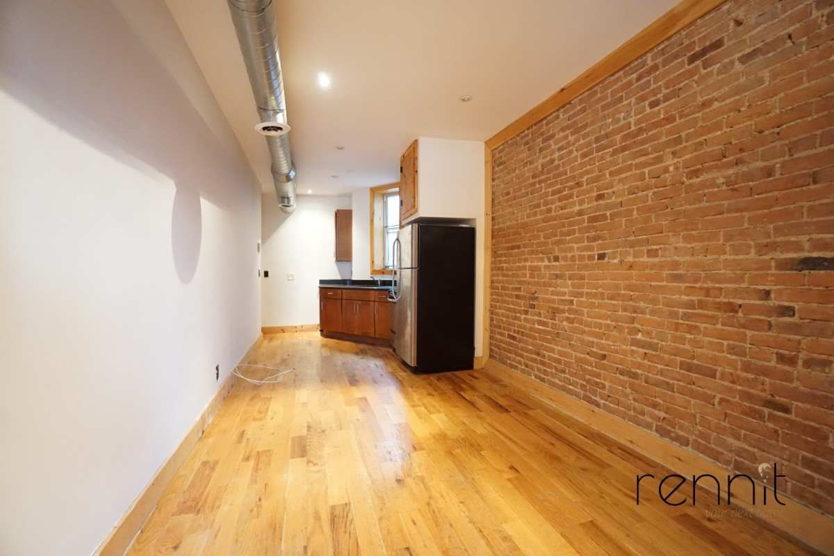 645 Willoughby Ave, Apt 2 Image 2