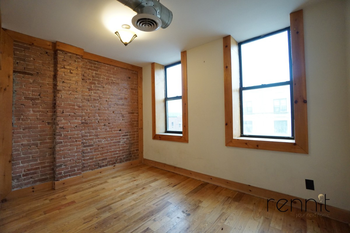 645 Willoughby Ave, Apt 2 Image 9
