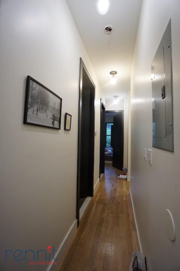 852 Hart Street, Apt 1L Image 4