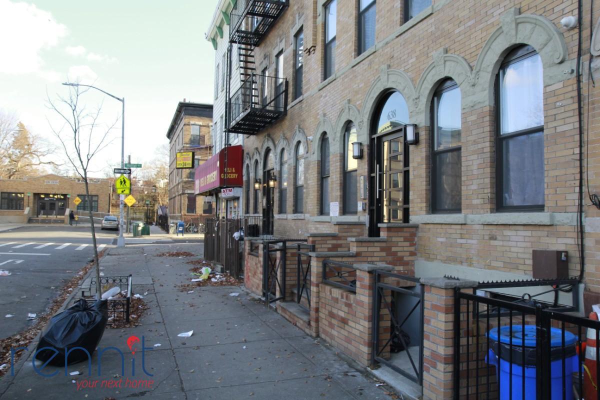 638 Wilson Avenue, Apt 2L Image 8