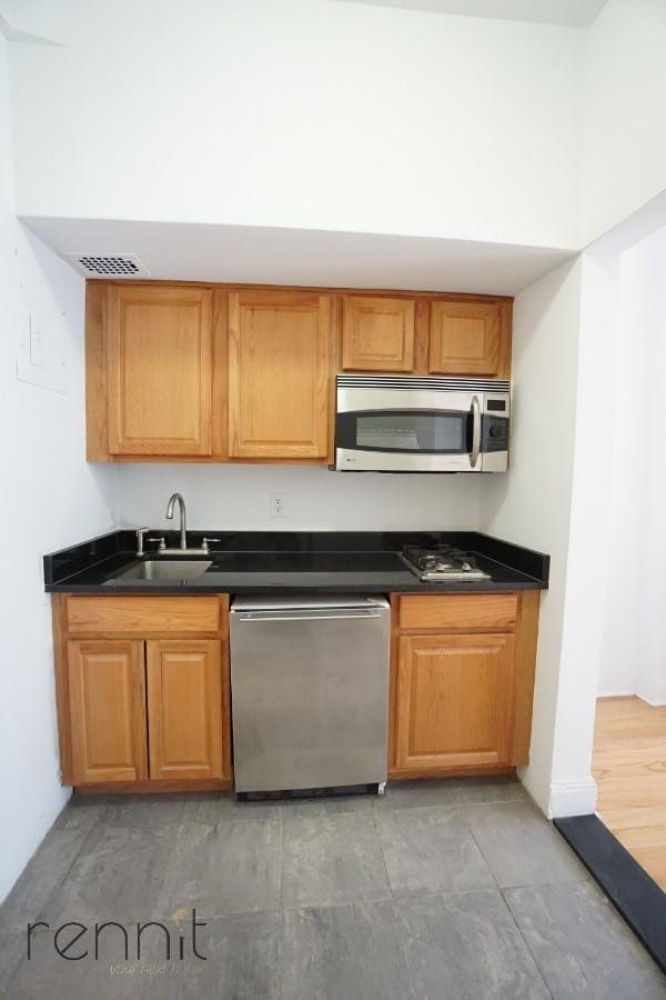 128 east 62nd street, Apt 3F Image 8