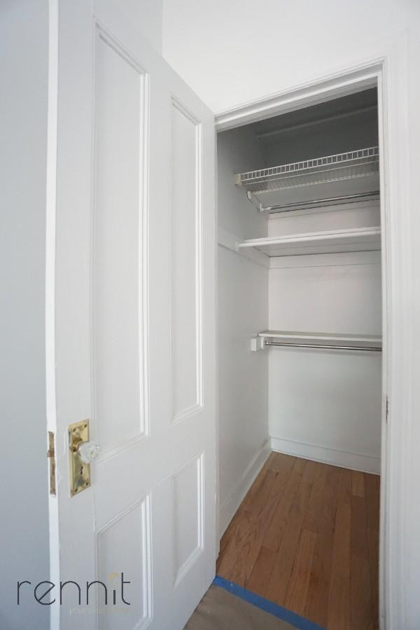 128 east 62nd street, Apt 3F Image 12