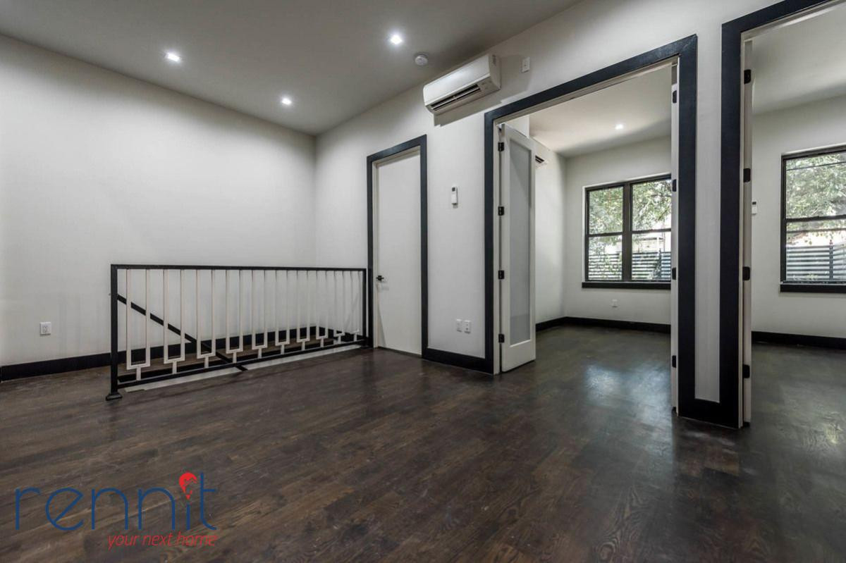 1042 FLUSHING AVE., Apt 1 Image 2