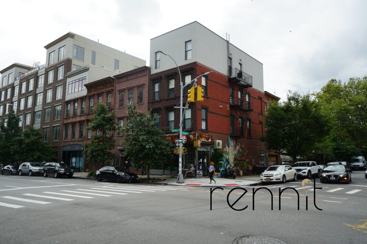 160 Quincy Street, Apt 2 Image 17