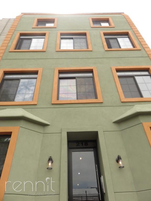 218 Boerum Street, Apt 2R Image 14