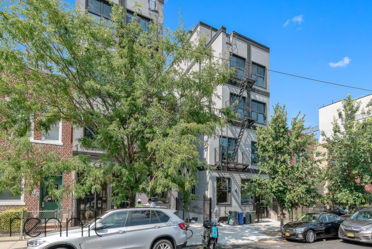 221 Martense Street, Apt 1F Image 12