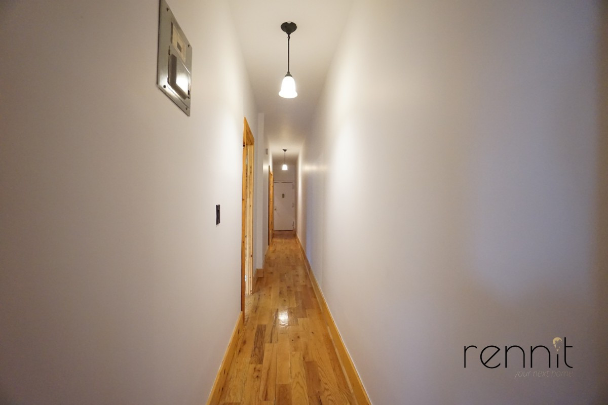 645 Willoughby Ave, Apt 6 Image 9