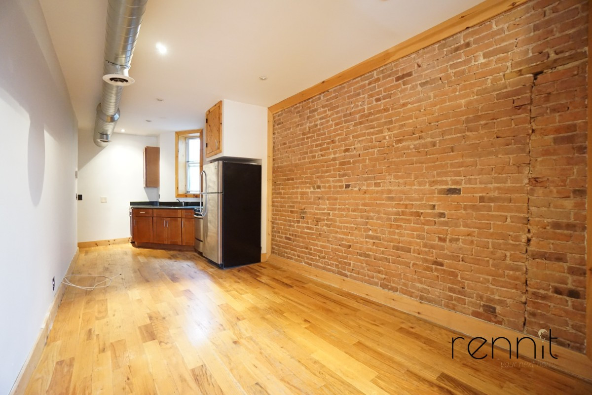 645 Willoughby Ave, Apt 6 Image 4