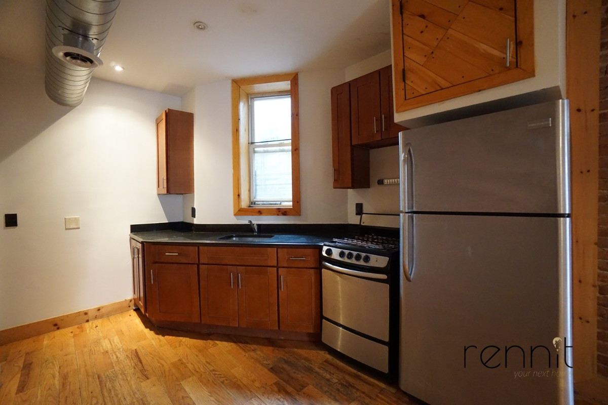 645 Willoughby Ave, Apt 6 Image 16