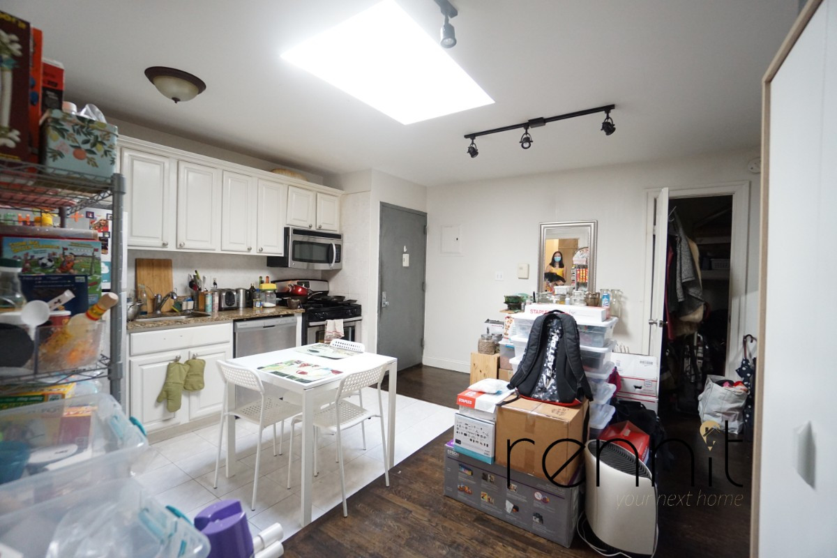 1107 IRVING AVE, Apt 2A Image 9