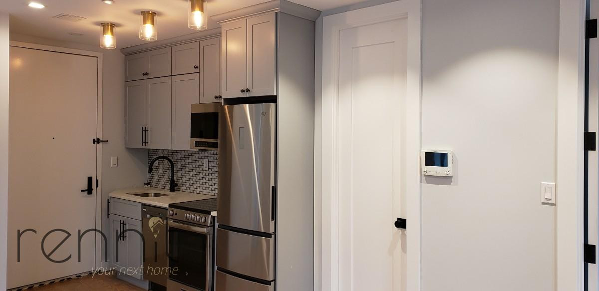 1160 Rogers Ave, Apt 2F Image 4