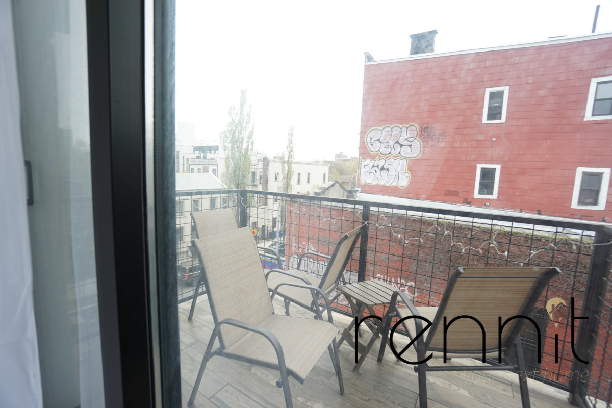 196 Montrose Ave, Apt 2A Image 10
