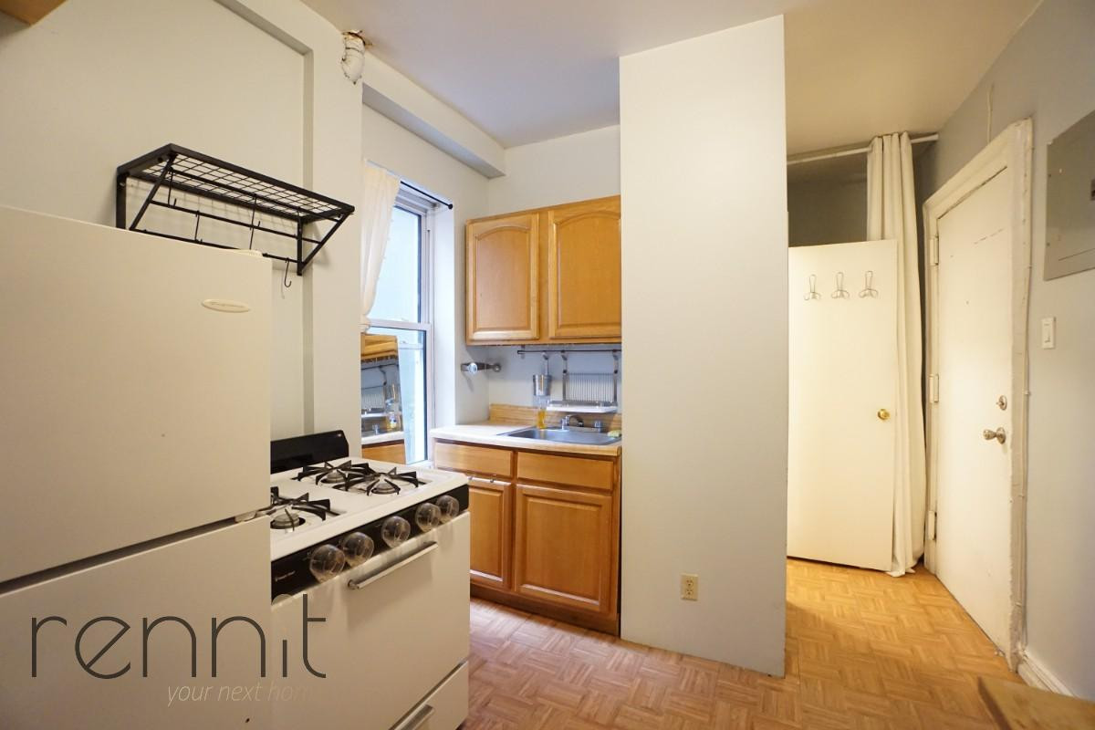 370 Bedford Avenue, Apt 7 Image 8