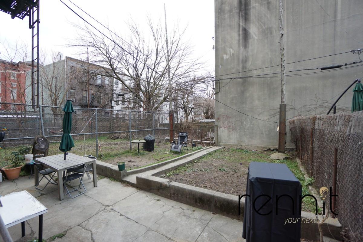 200 Irving Avenue, Apt 1R Image 1