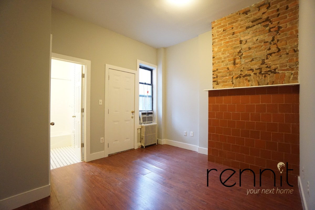 200 Irving Avenue, Apt 1R Image 5