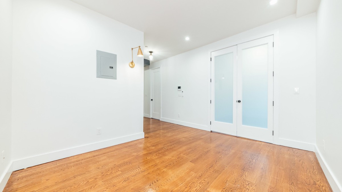 228 manhattan ave, Apt 2F Image 3