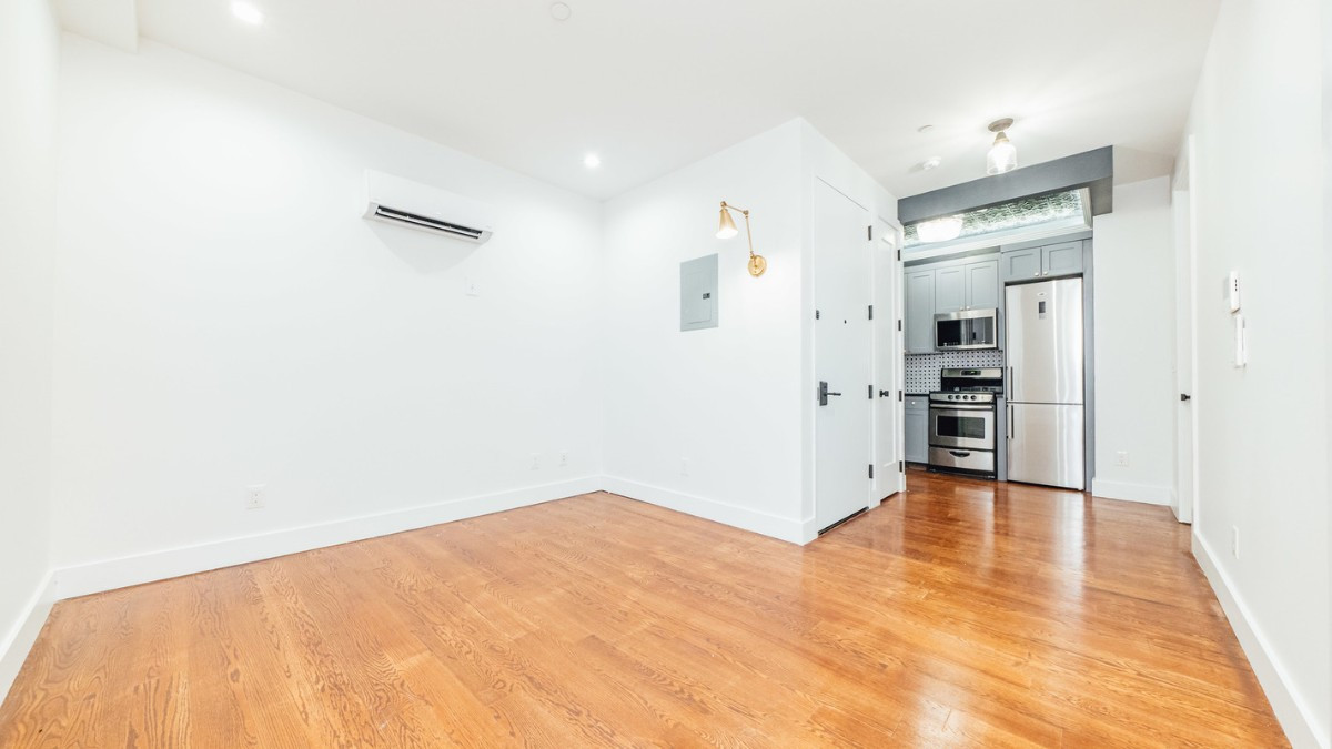 228 manhattan ave, Apt 2F Image 1