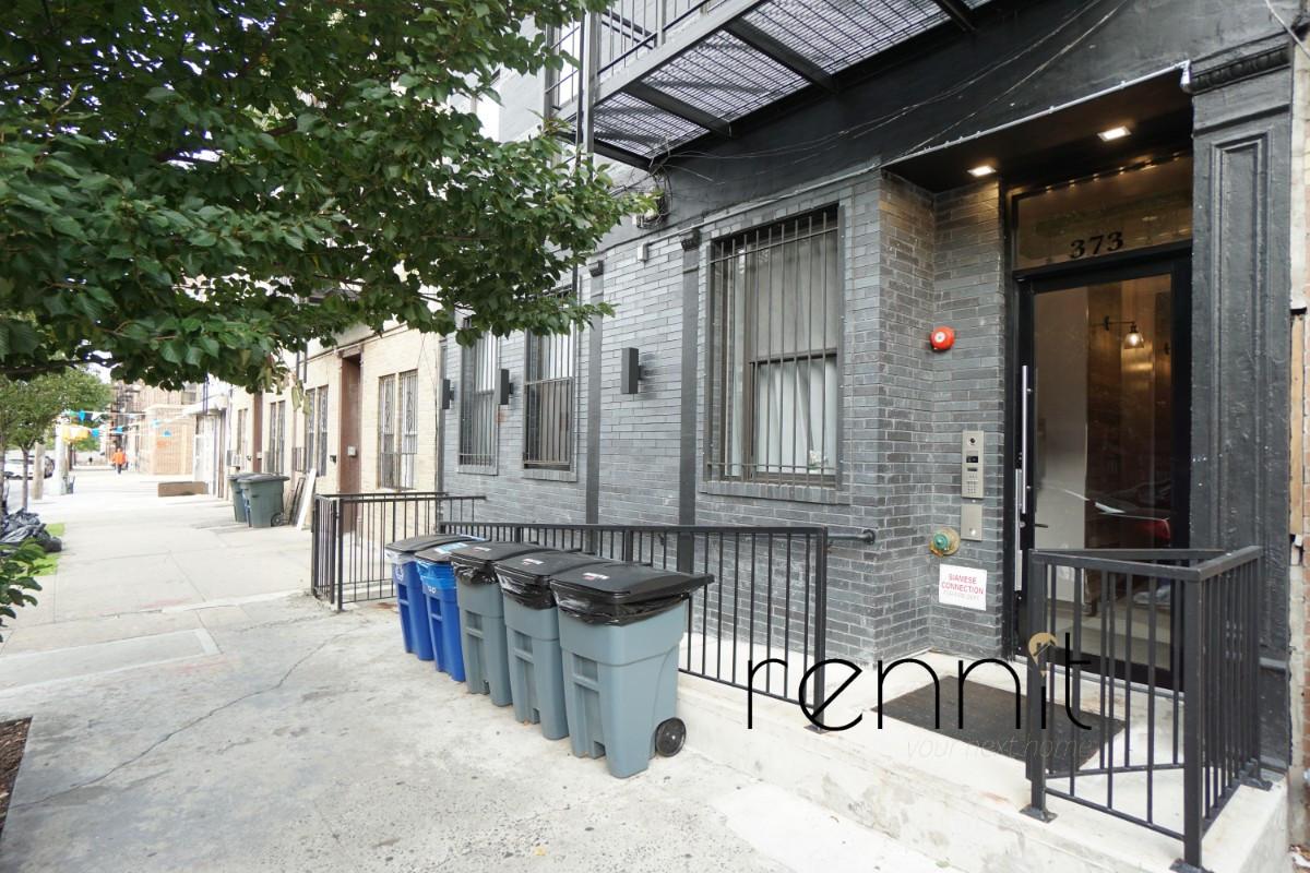 373 Howard Avenue, Apt 1B Image 18