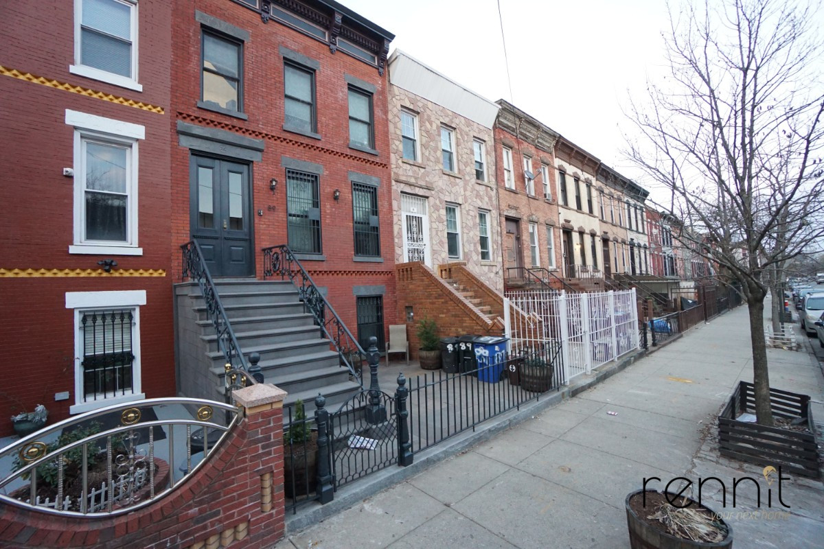 91 Somers Street, Apt 1 Image 11