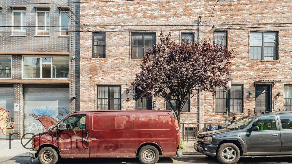 212 Starr Street, Apt 2R Image 18