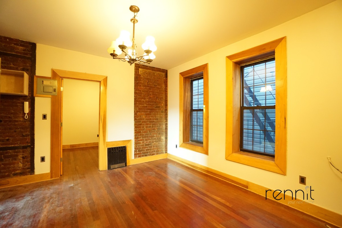 140A LEXINGTON AVE., Apt 8 Image 8