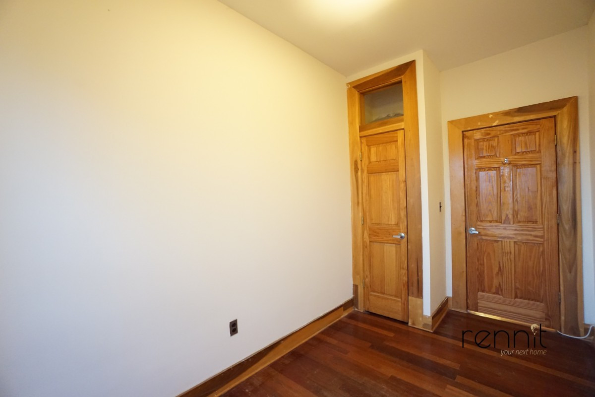 140A LEXINGTON AVE., Apt 17 Image 8