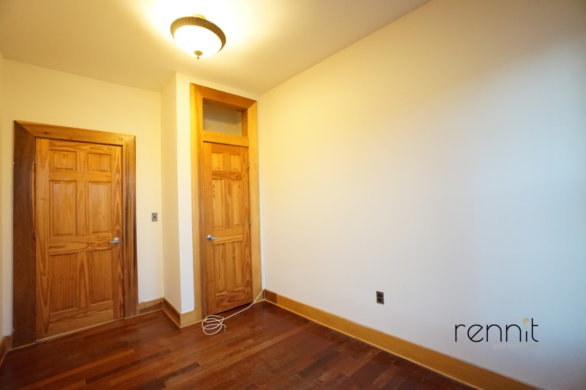 140A LEXINGTON AVE., Apt 17 Image 4
