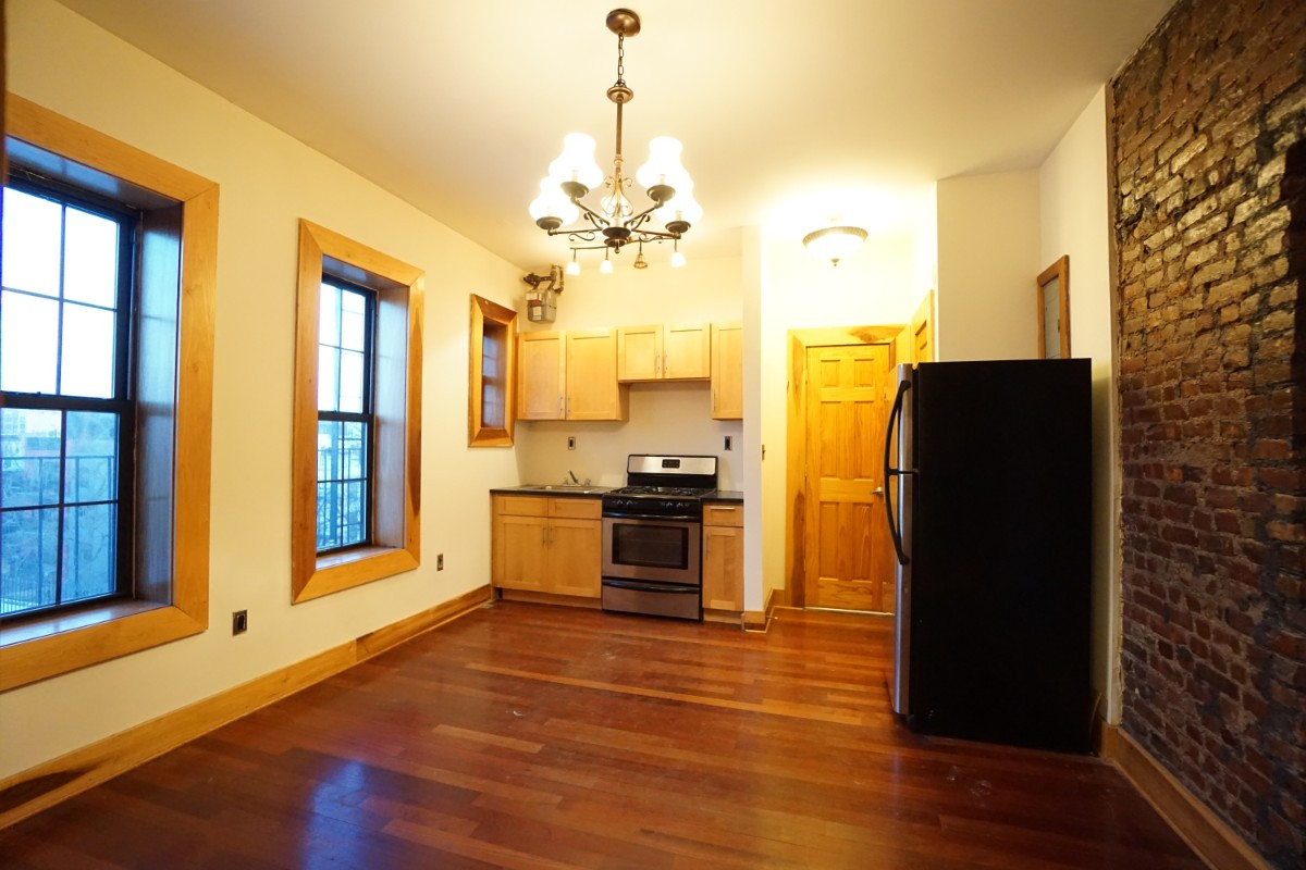 140A LEXINGTON AVE., Apt 18 Image 1