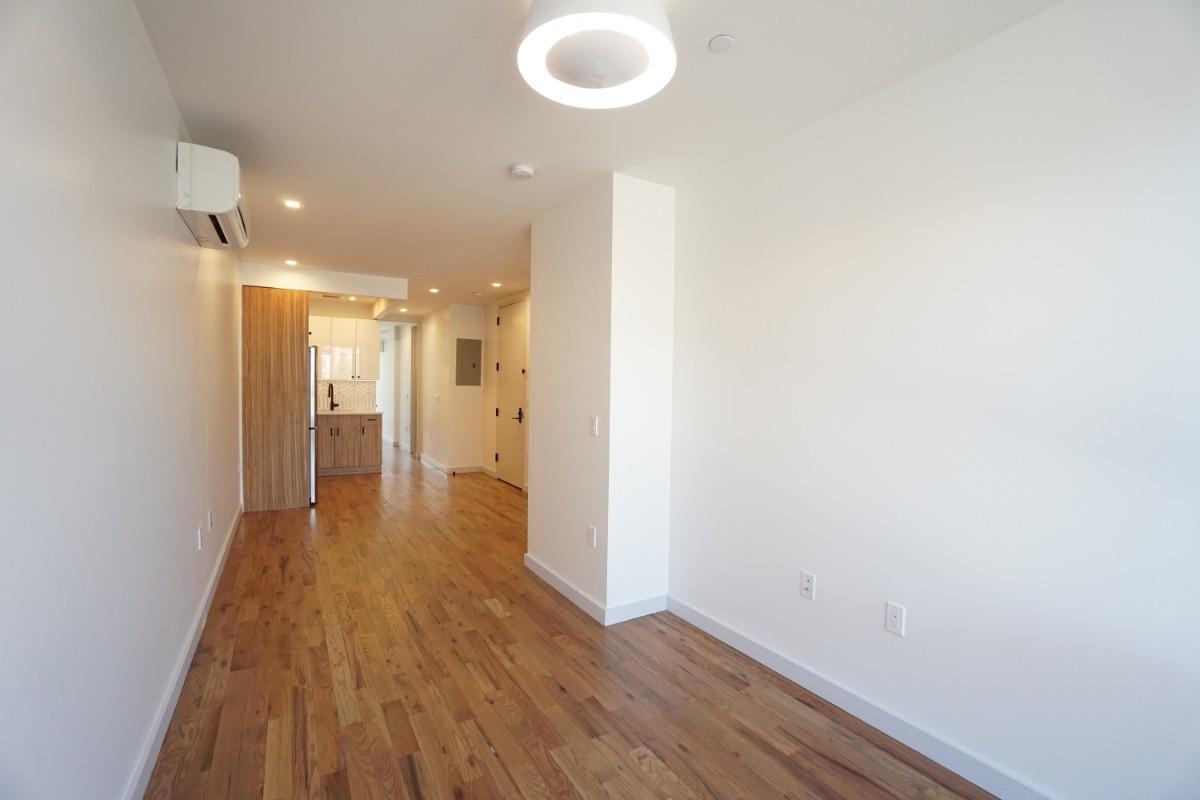 770 Lexington Avenue, Apt 2C Image 1