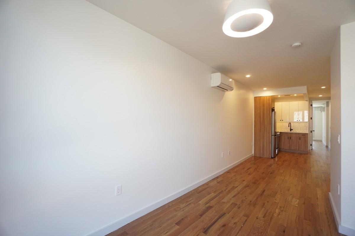 770 Lexington Avenue, Apt 2C Image 5