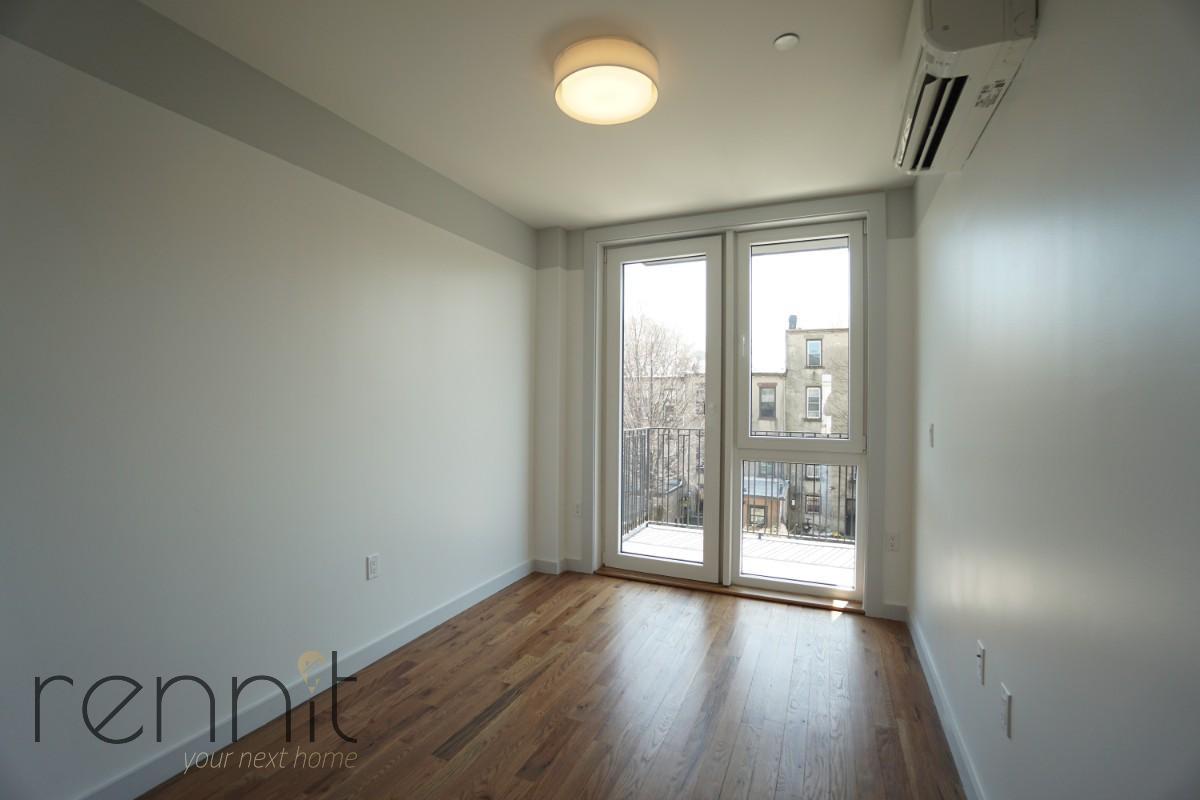 770 Lexington Avenue, Apt 4B Image 4