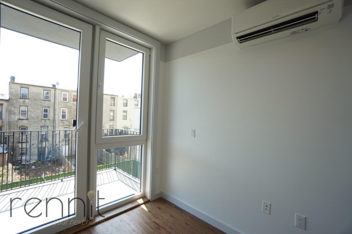 770 Lexington Avenue, Apt 4B Image 2
