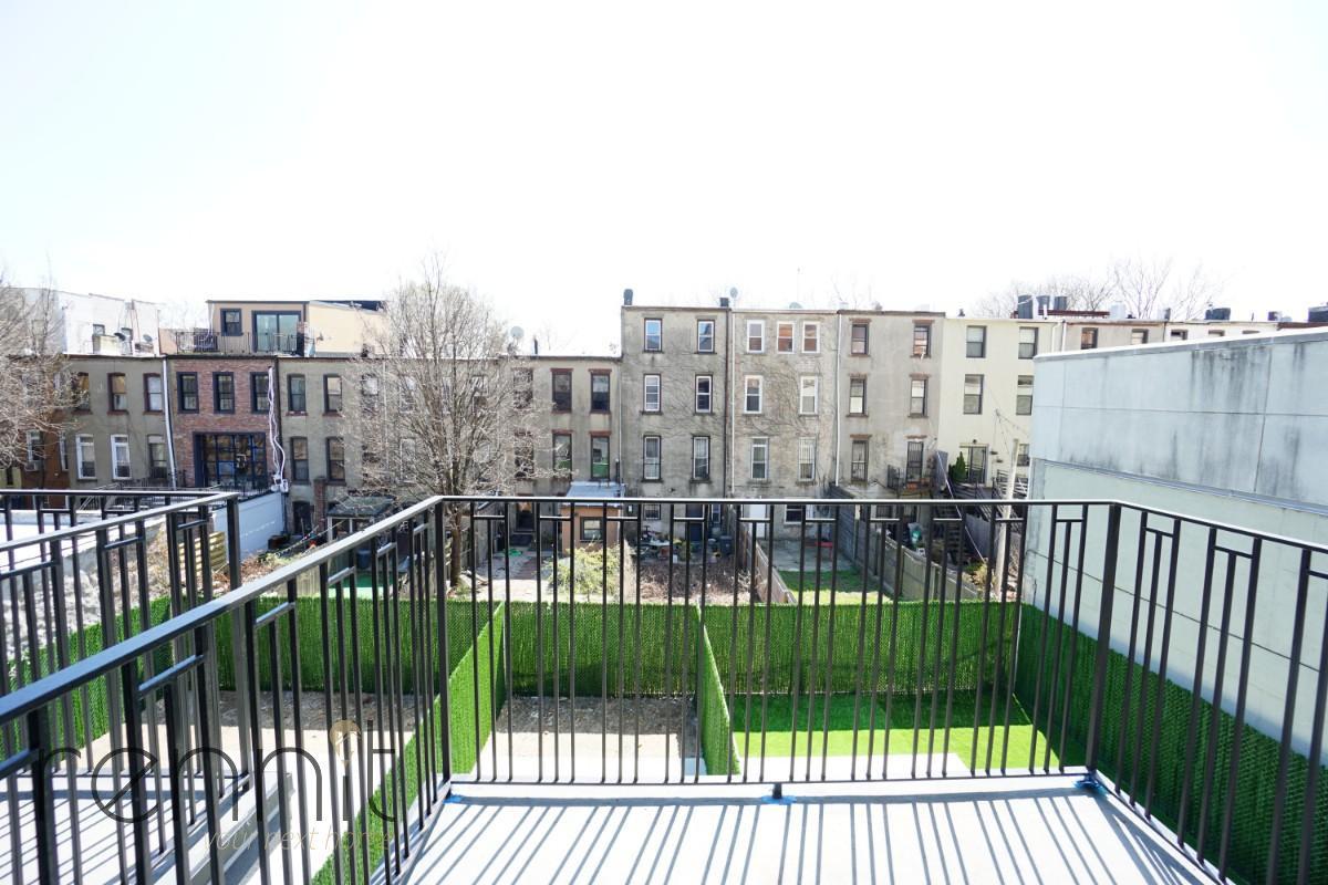 770 Lexington Avenue, Apt 3C Image 3