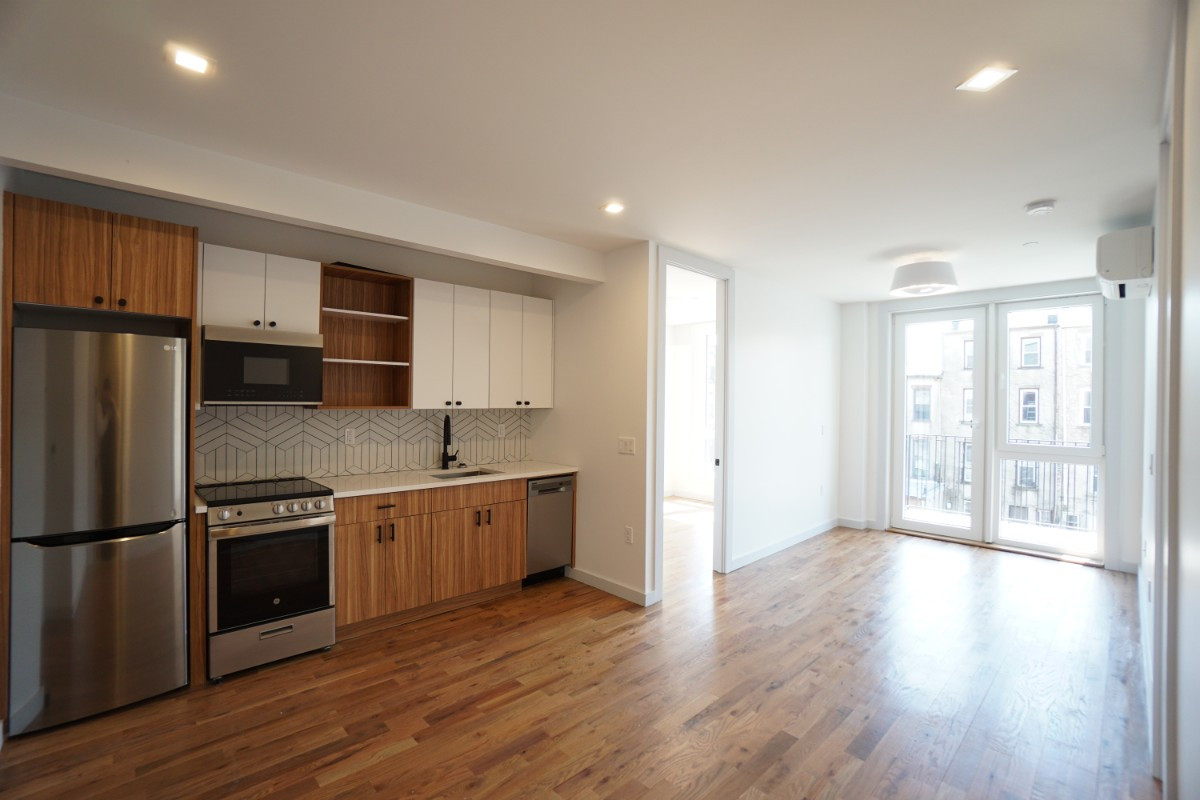 774 Lexington Avenue, Apt 3B Image 1