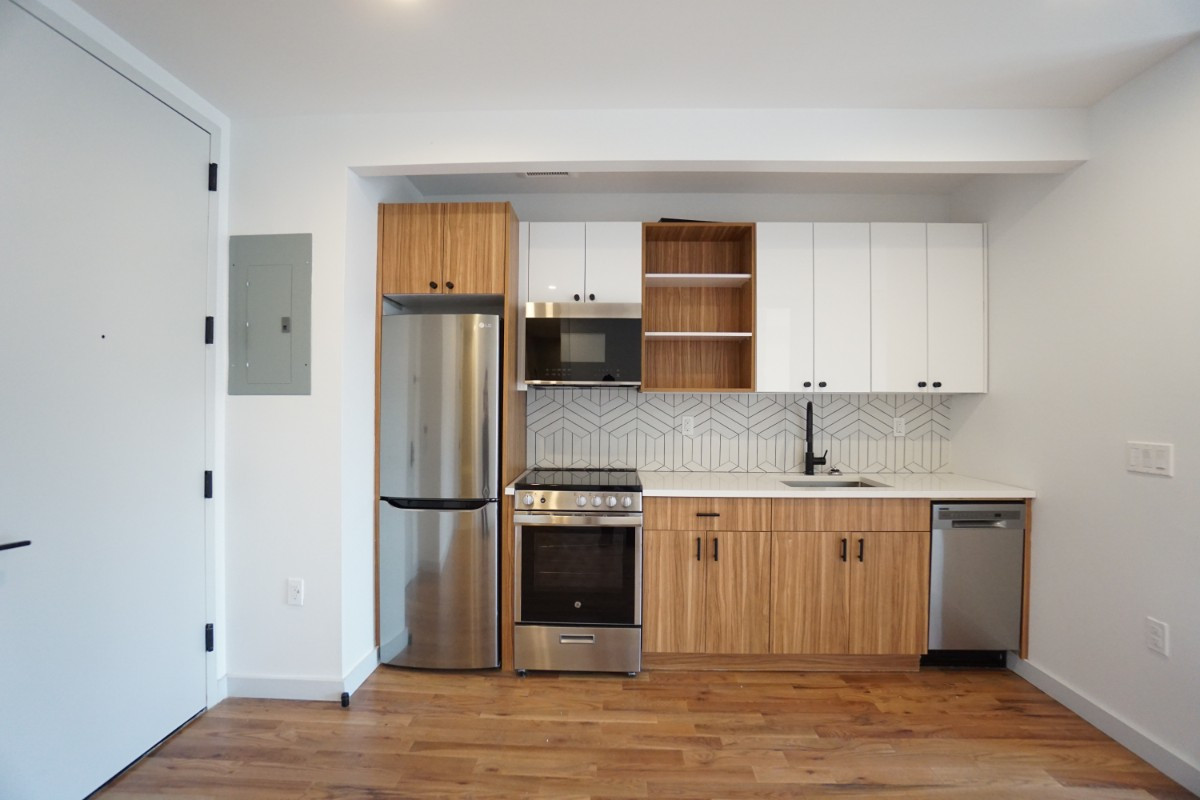 774 Lexington Avenue, Apt 3B Image 10