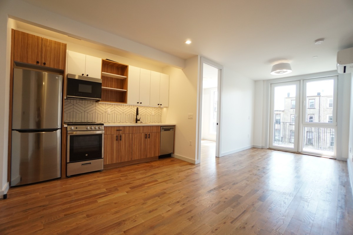 774 Lexington Avenue, Apt 3B Image 6