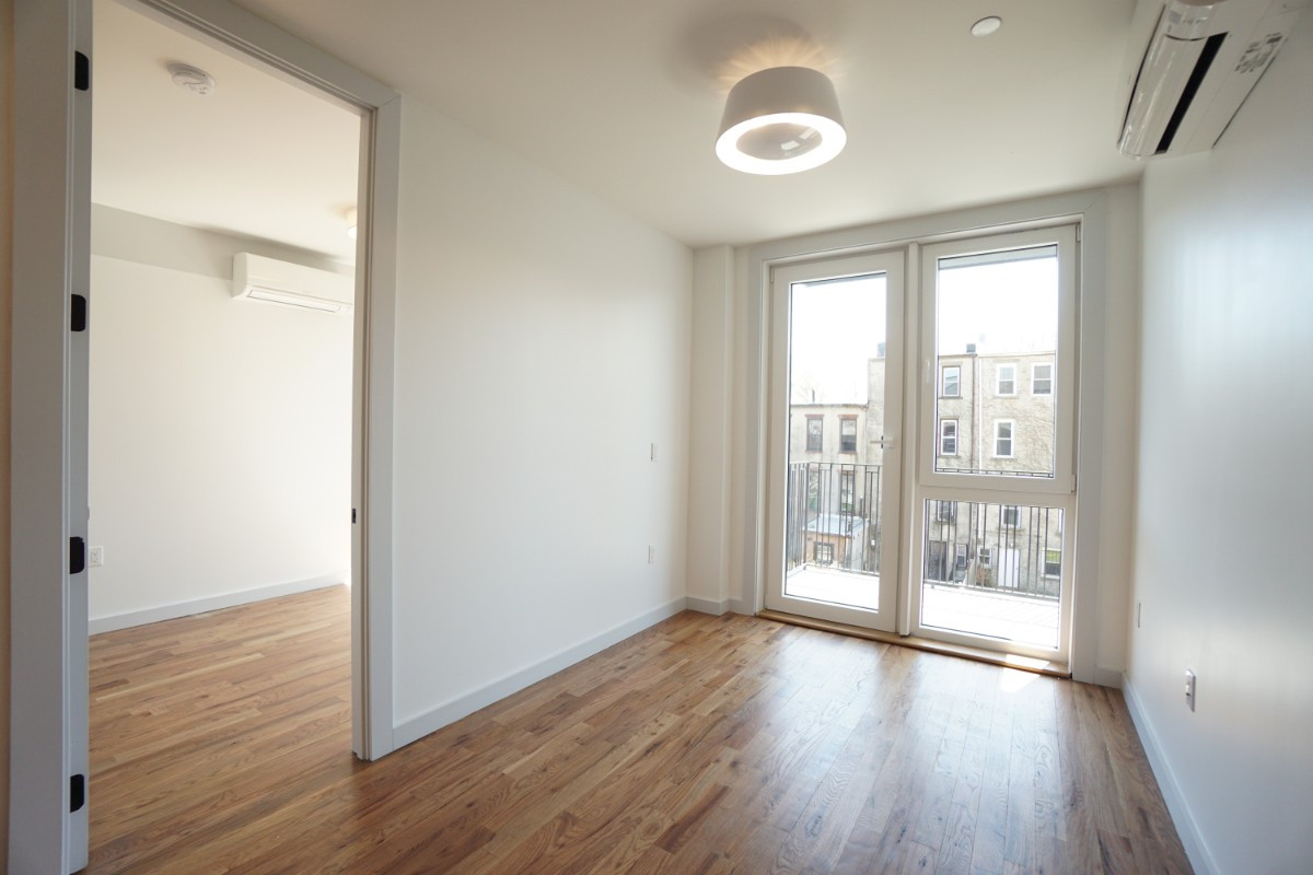 774 Lexington Avenue, Apt 3B Image 11