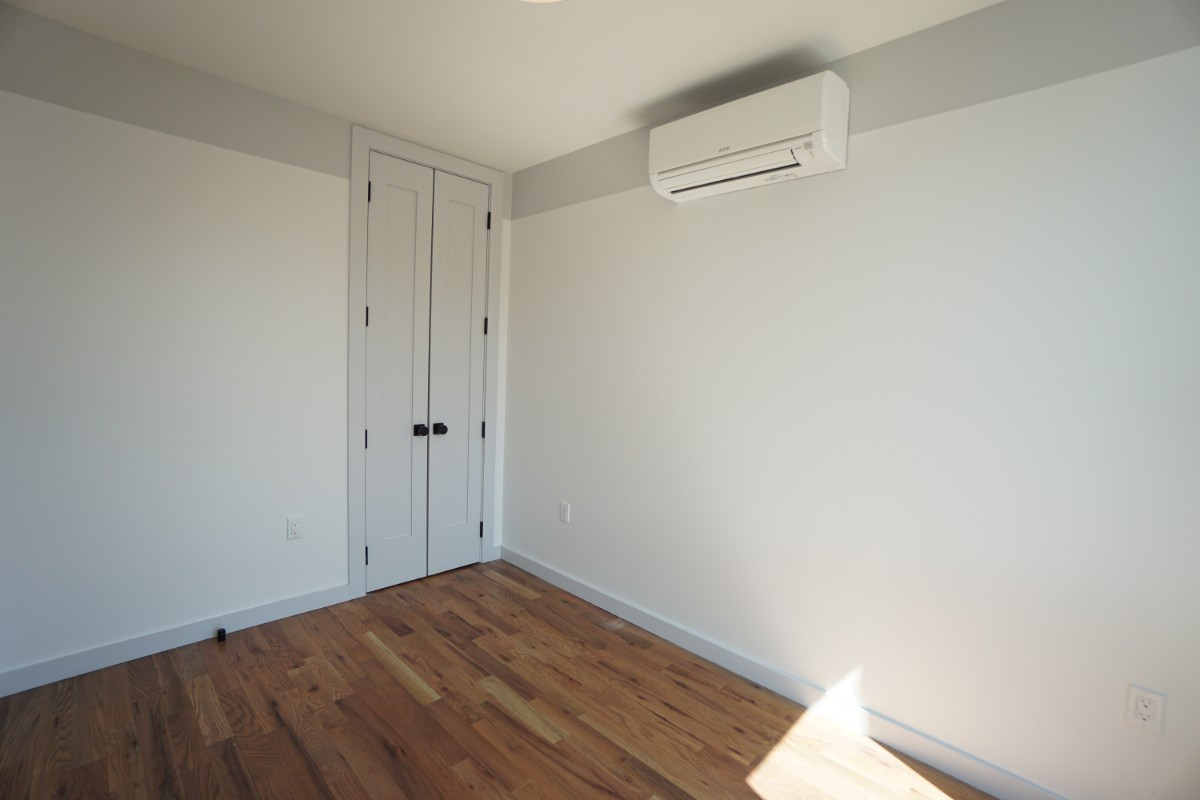 774 Lexington Avenue, Apt 3B Image 8